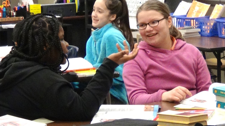 content-focused-classroom-centers-reading-together.jpg